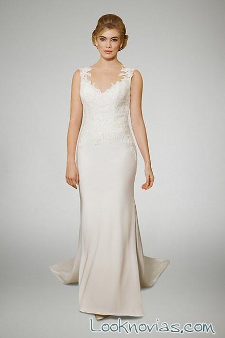vestido recto liso de novia con tirantes