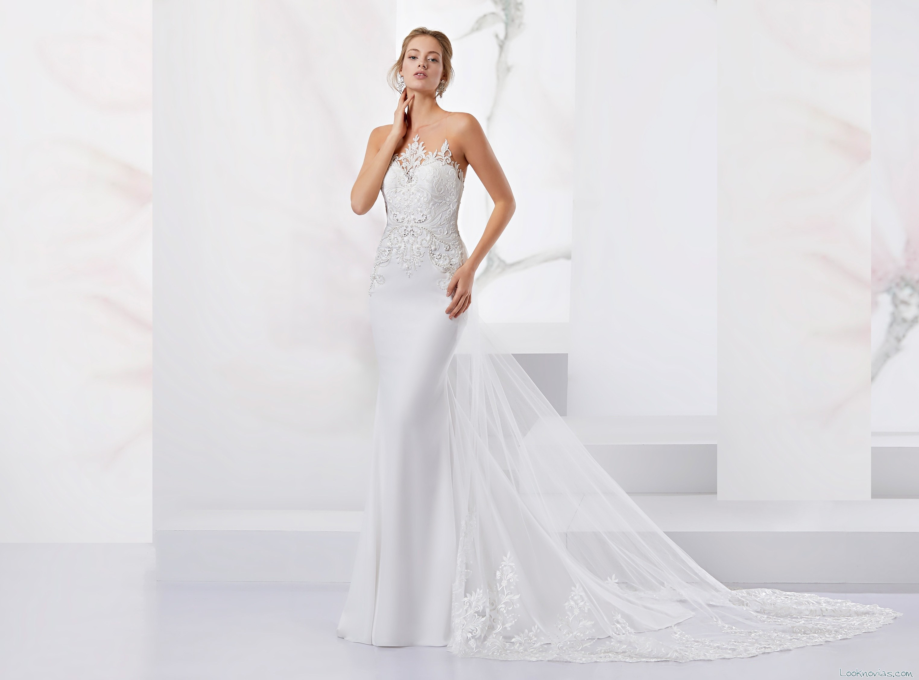 vestido recto novias cola jolies
