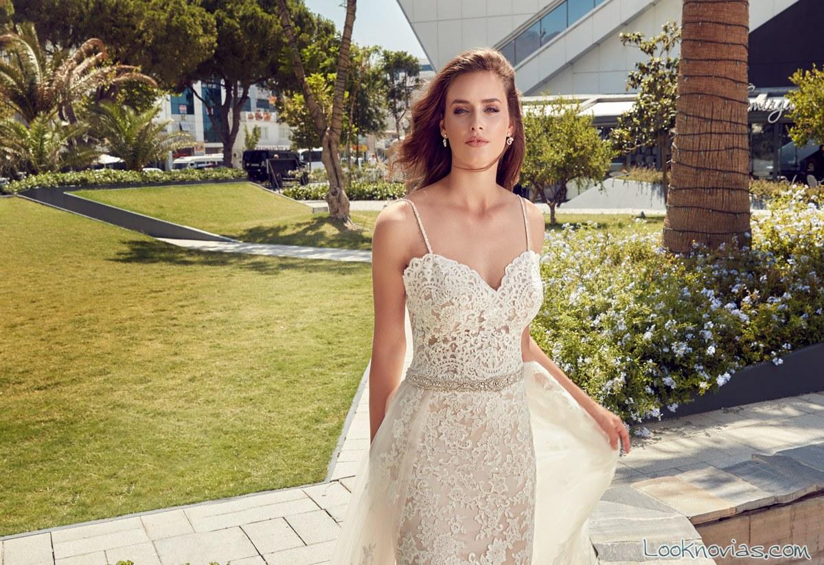 vestido recto novias con doble falda