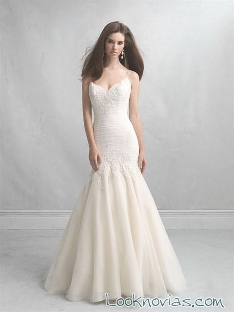 vestido recto sirena en color para novias