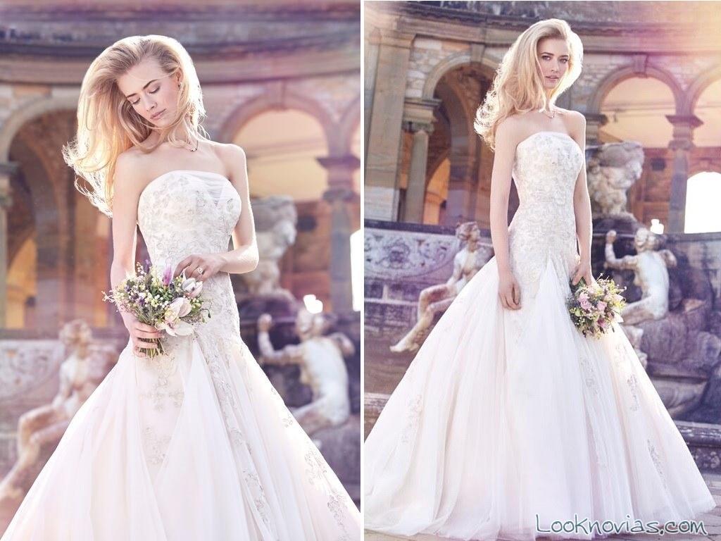 vestido recto y romántico de Ellis Bridals