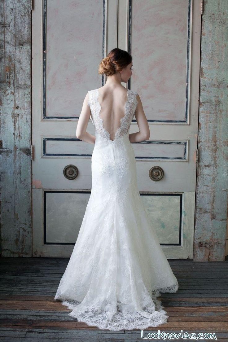 vestido sareh nouri con escote en la espalda