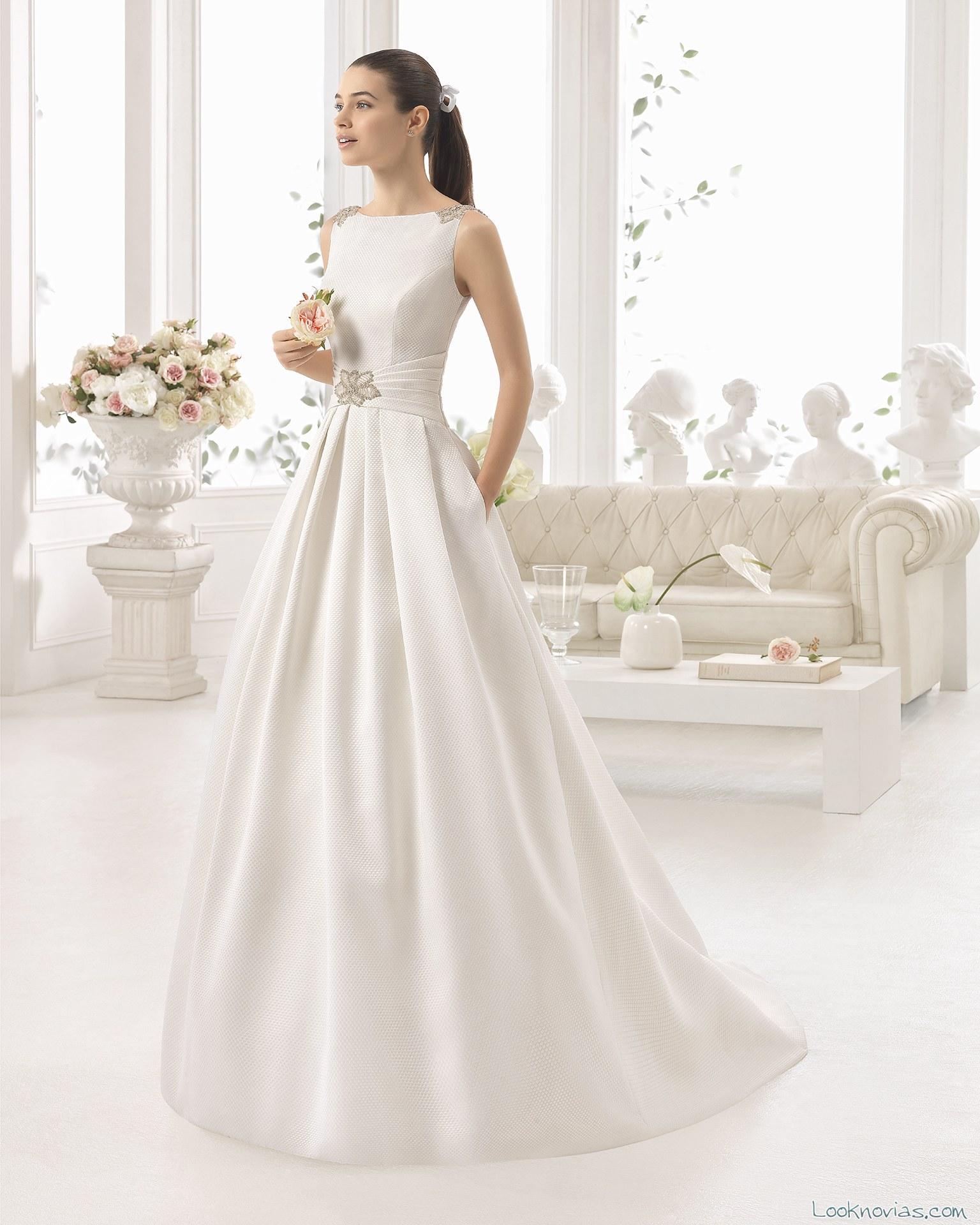 vestido sencillo con pedrería aire barcelona