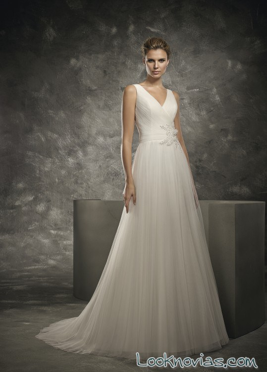 vestido sencillo de gasa divina sposa