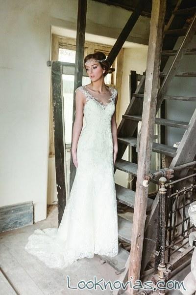 vestido sencillo en blanco de benjamin roberts