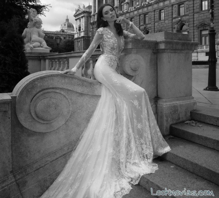 vestido sirena con cola y bordados