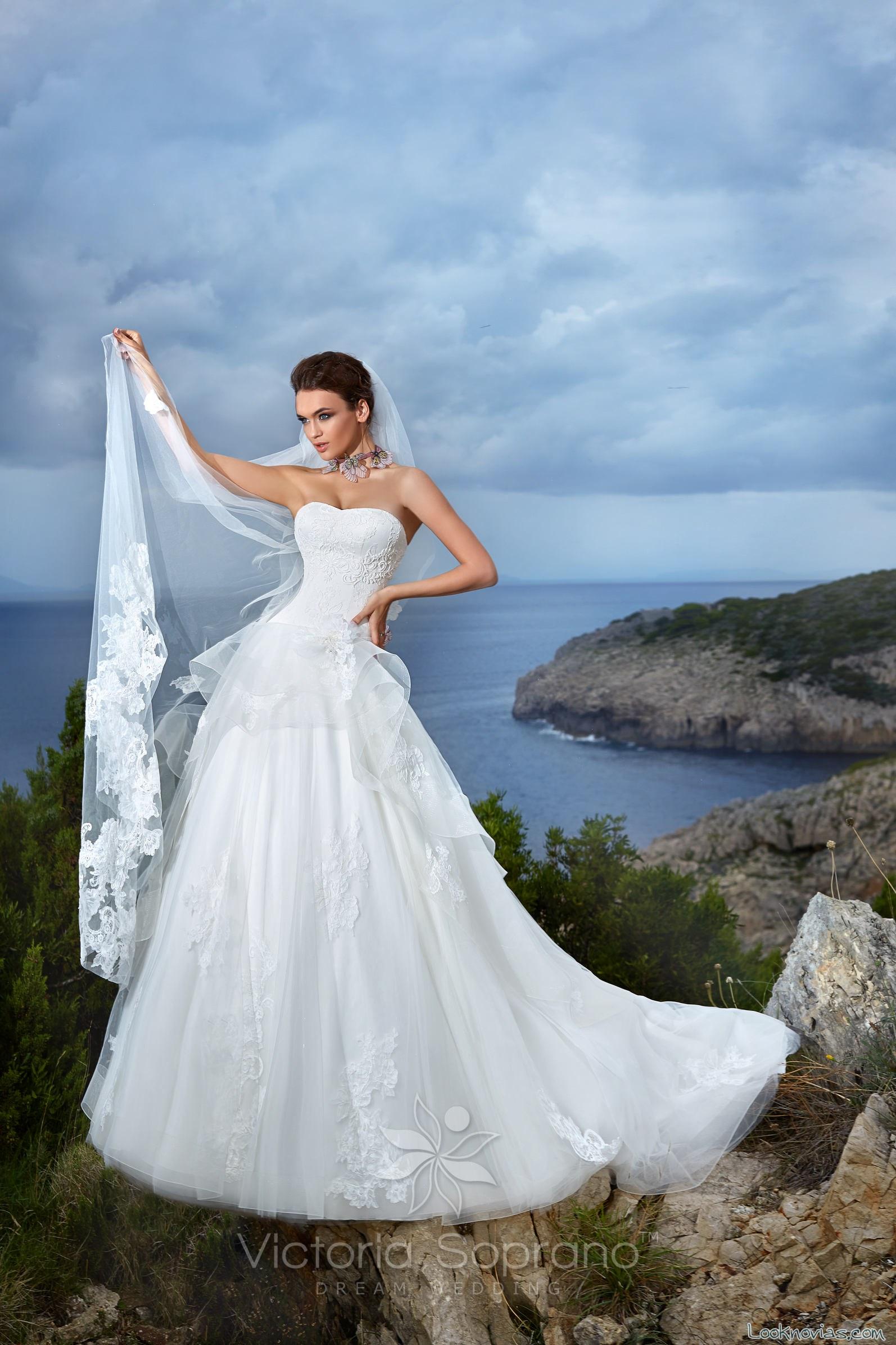 vestido victoria soprano novias con volante