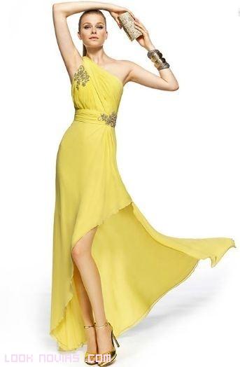 vestidos asimétricos en amarillo