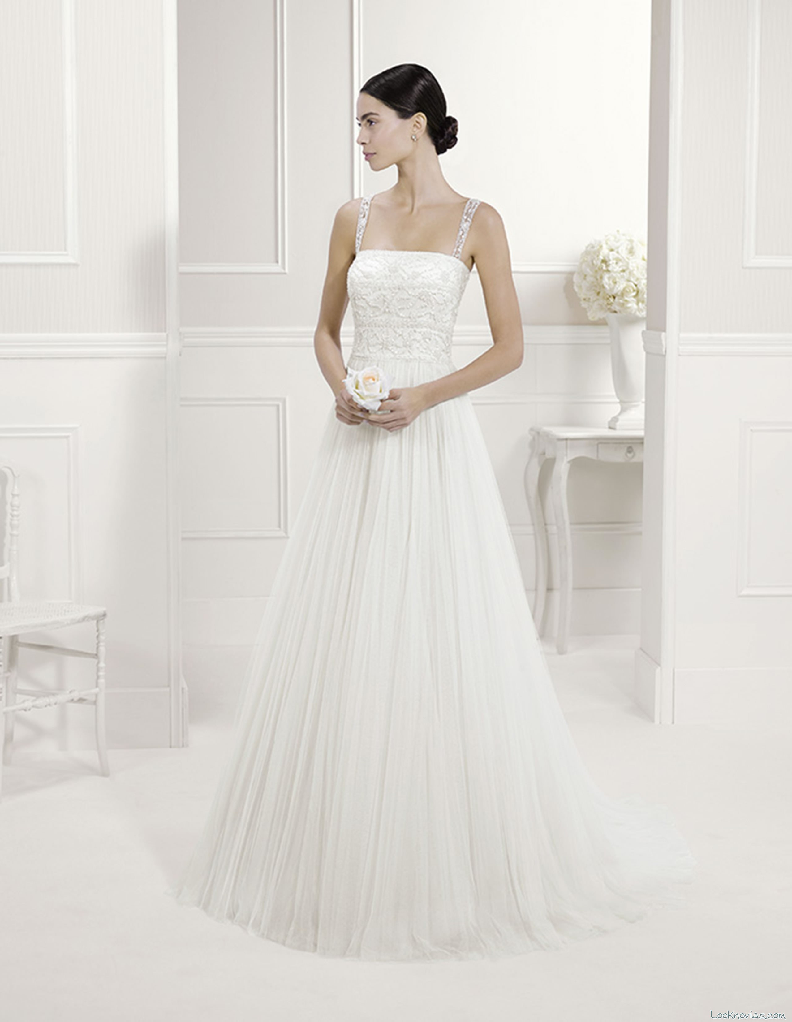 vestidos alma novia con tirantes de pedrería
