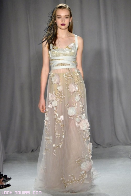 vestidos femeninos colección Marchesa