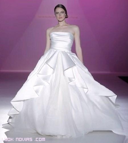 Vestidos de novia con escotes rectos