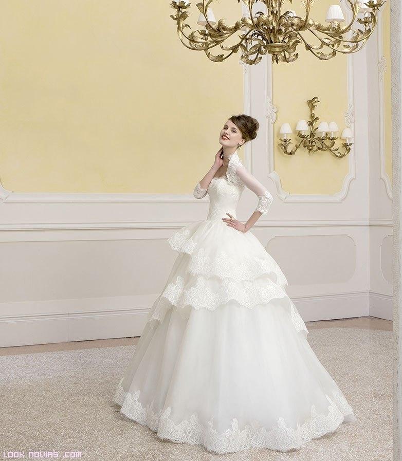 Vestidos de novia con chal