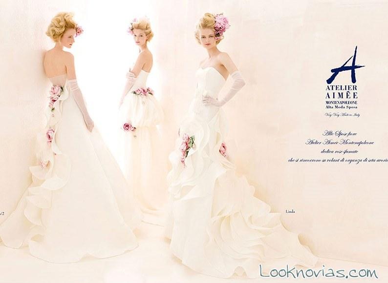 vestidos en blanco con flores rosas