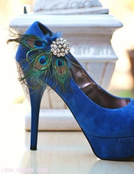Zapatos de novia estilo pavo real