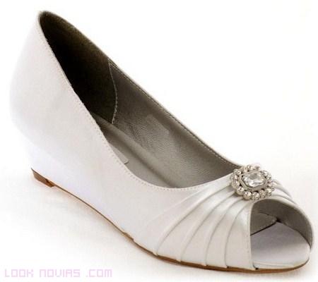 zapato con broche