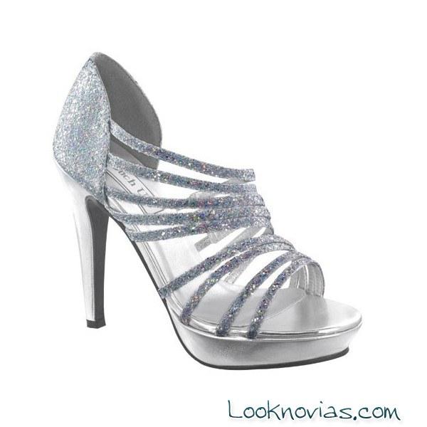 zapatos plateados touch-ups