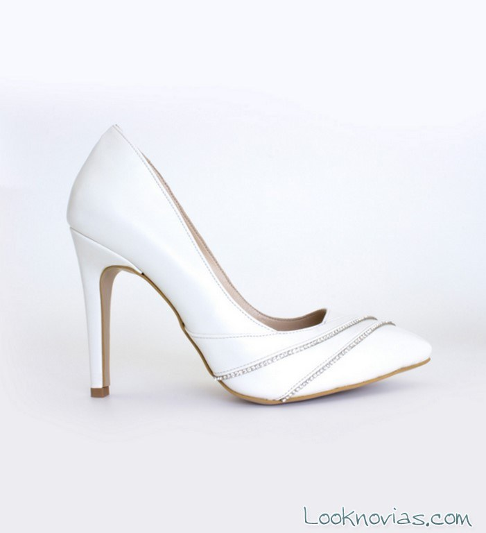zapatos salón de novia con pedrería